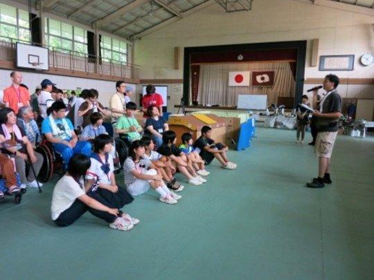 Yoshiyuki Komatsu explaining the day
