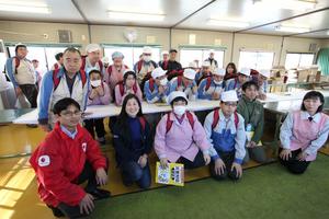 Yumi, Masayuki, and the Waiwai workshop staff