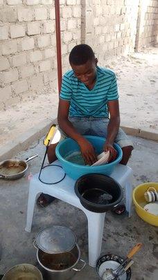 Linekenla, cooking outside