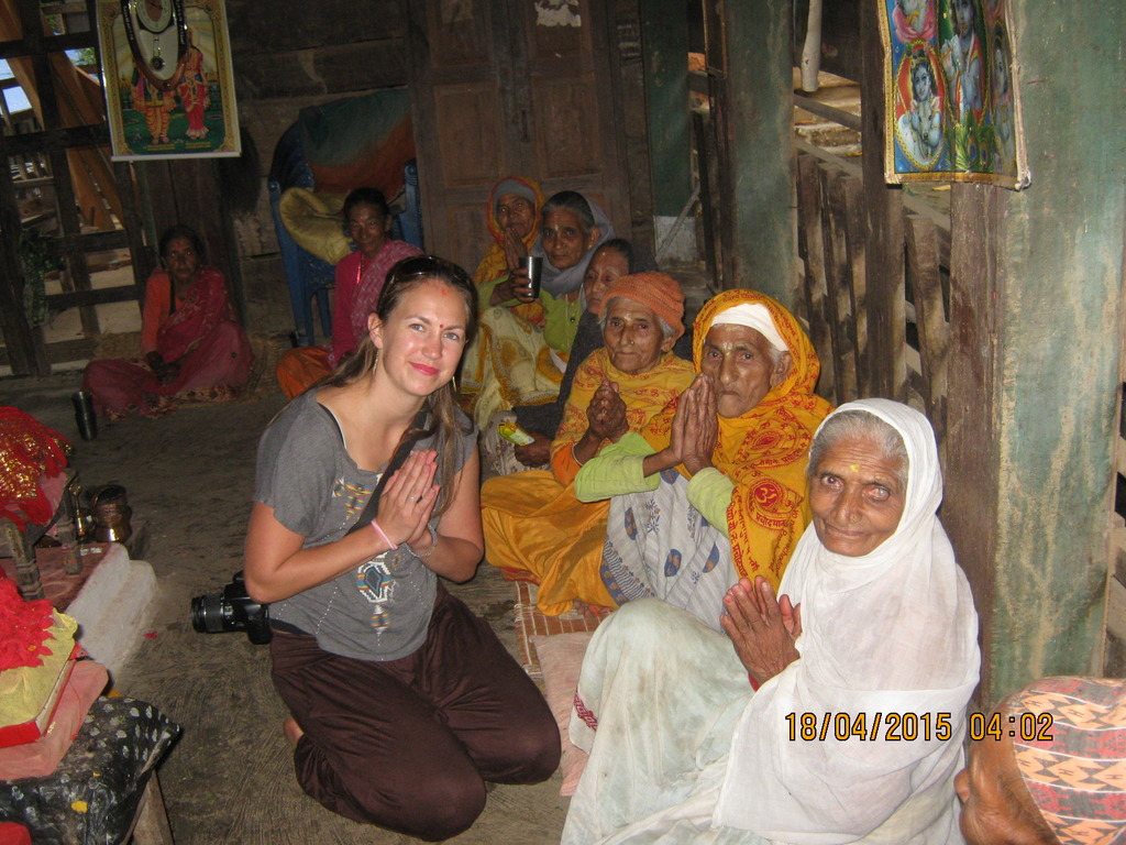 Lisa from the USA with the people