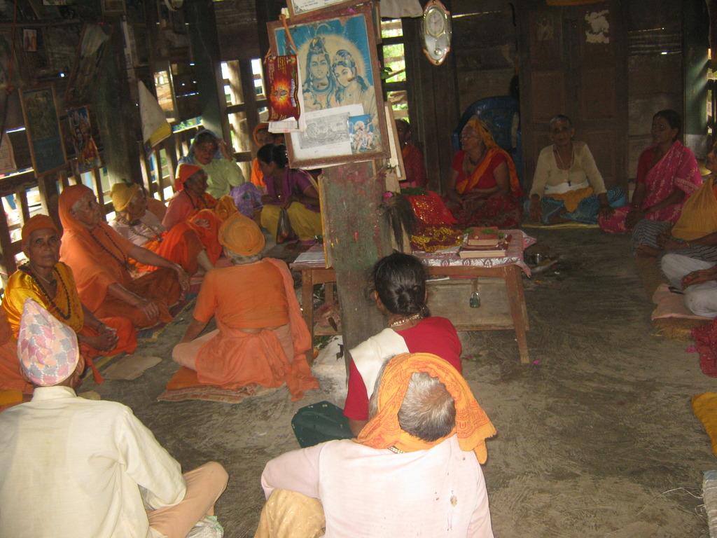 Elderly people in the prayer