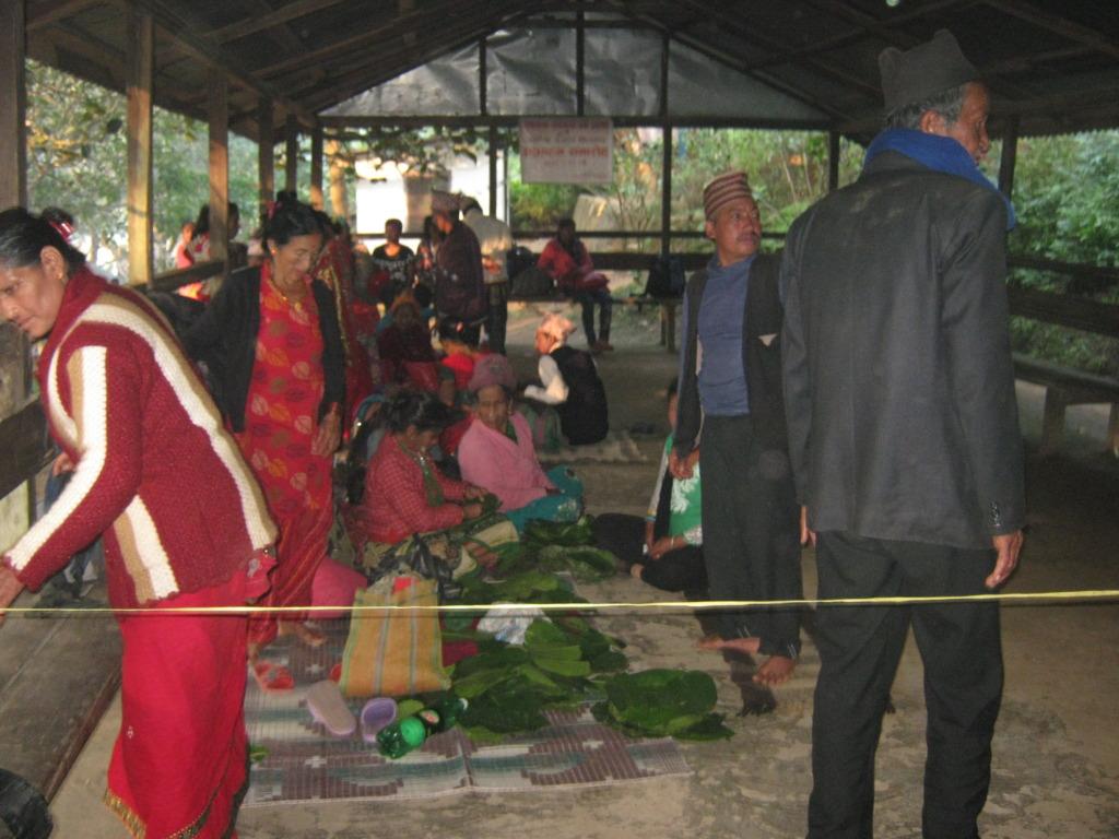 pilgrims at Manakalana temple