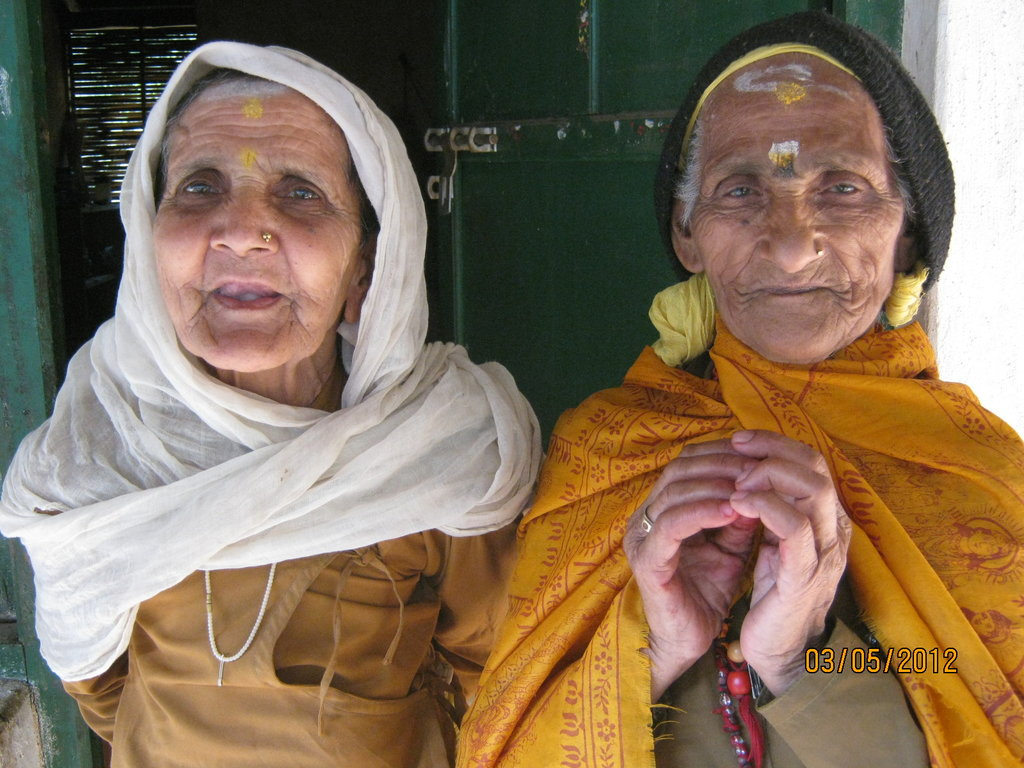 Provide food for 35 elderly people in Nepal