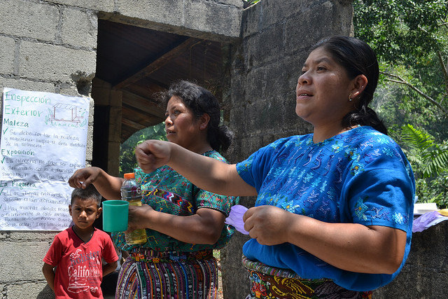 Members from Pampojila lead a training in Totolya