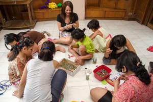 Australian volunteer Diana with the TSL girls