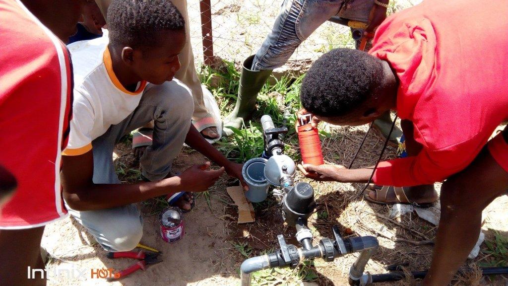 installation drip irrigation system