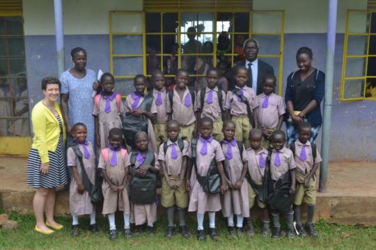 Matuwa Grade 2 students with AAH & Matuwa staff