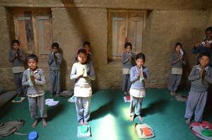Distributing learning materials