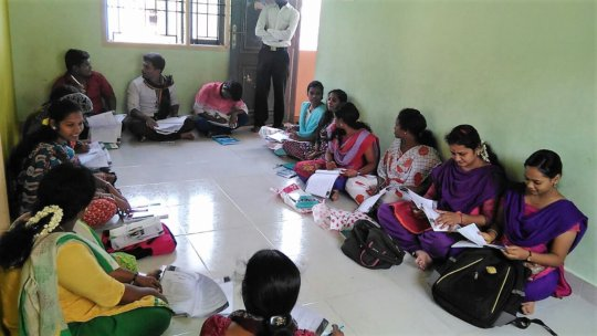 Skill training for young people, group discussion