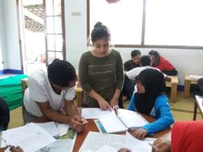 Learning English with volunteer