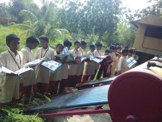 Students learn near the solar plant - 2