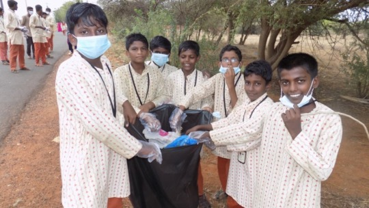 Tuticorin students take part in cleanliness drive