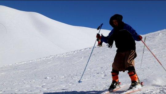 Shukria skiing