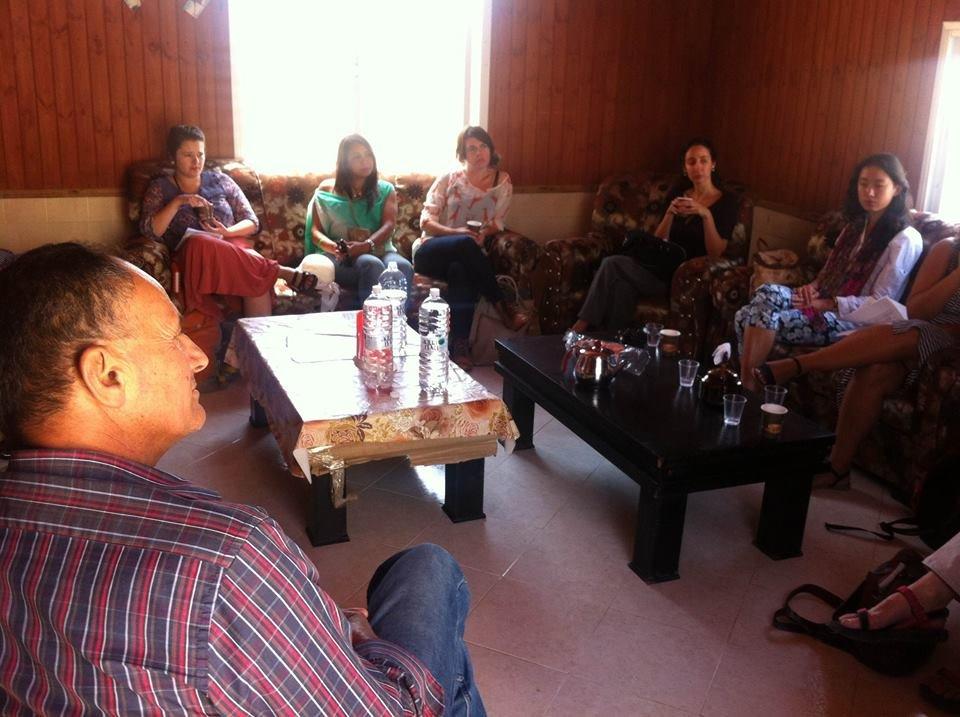 Diplomats discuss Bedouin rights in Umm el-Hieran