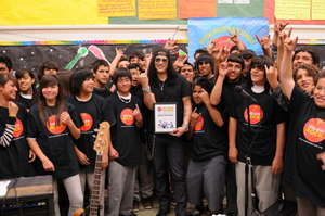 Slash visits a class in East Los Angeles