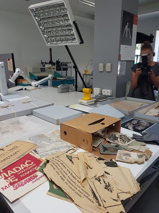In laboratory - preserving documentation