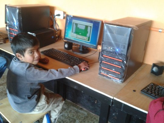 Elias in computer class