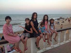 6 daugters of Leila