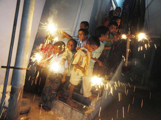 2013 deepavali festival joyness among Orphanage