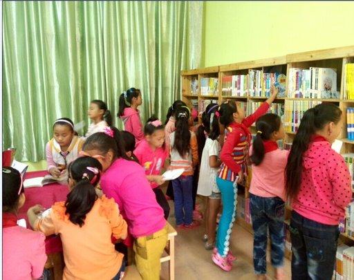 Children finding books