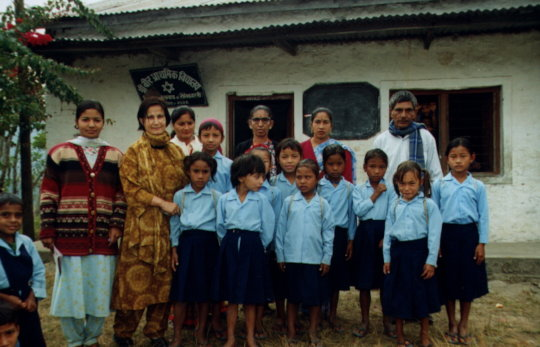 Aruna with SGT students in the early days, 1999.