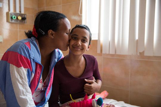 Bringing medicine to Cuban hospitals/clinics