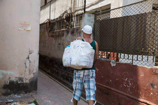 Delivering meals daily to Cubans with hunger