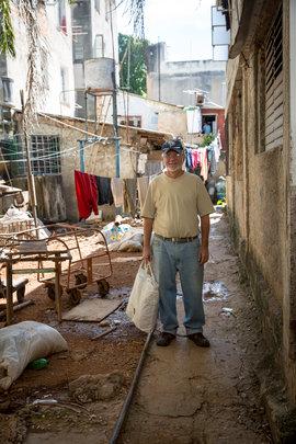 Ricardo delivers food to a Havana residence