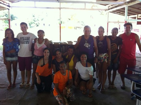 Young people from Cajuuna and Vaga Lume educators