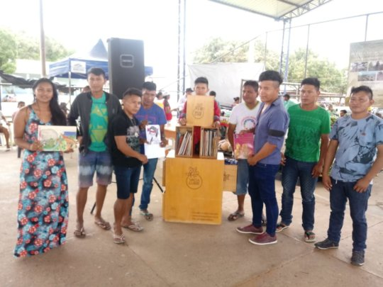 Community of Pacaraima with their handmade books