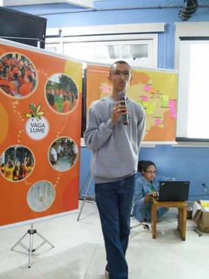 Volunteer sharing his experiences