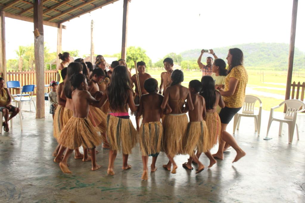 Young people dancing Parixara in Santa Rosa