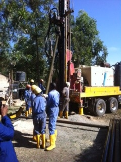 Drilling the borehole