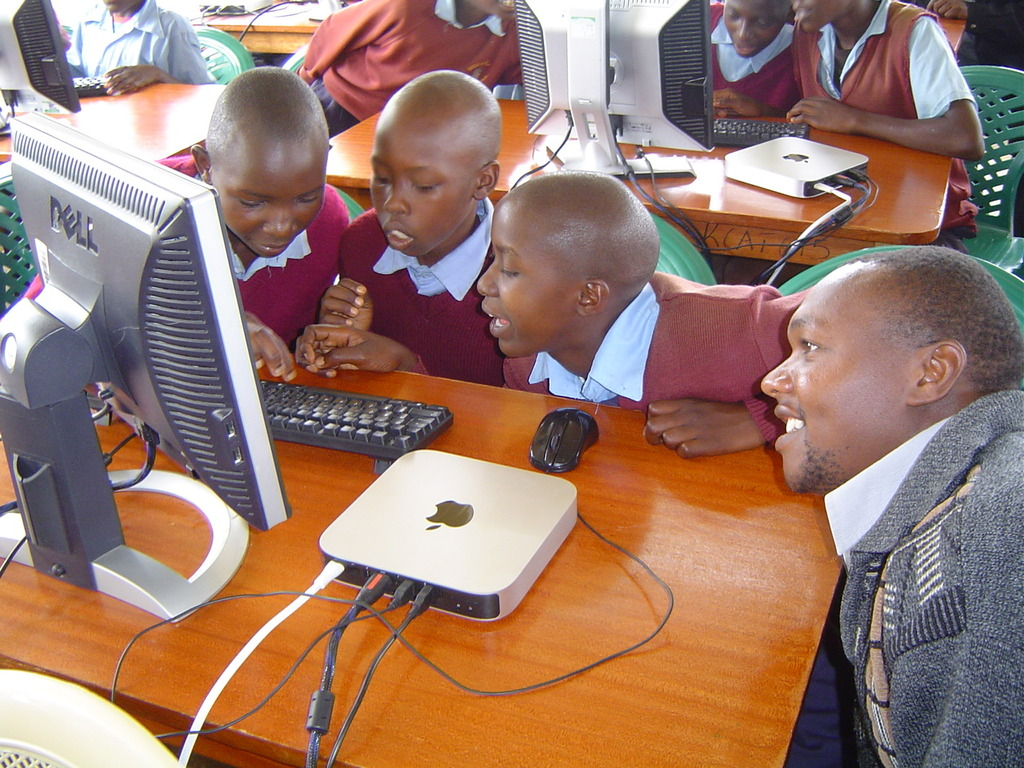 Computer class for Sofia PS students