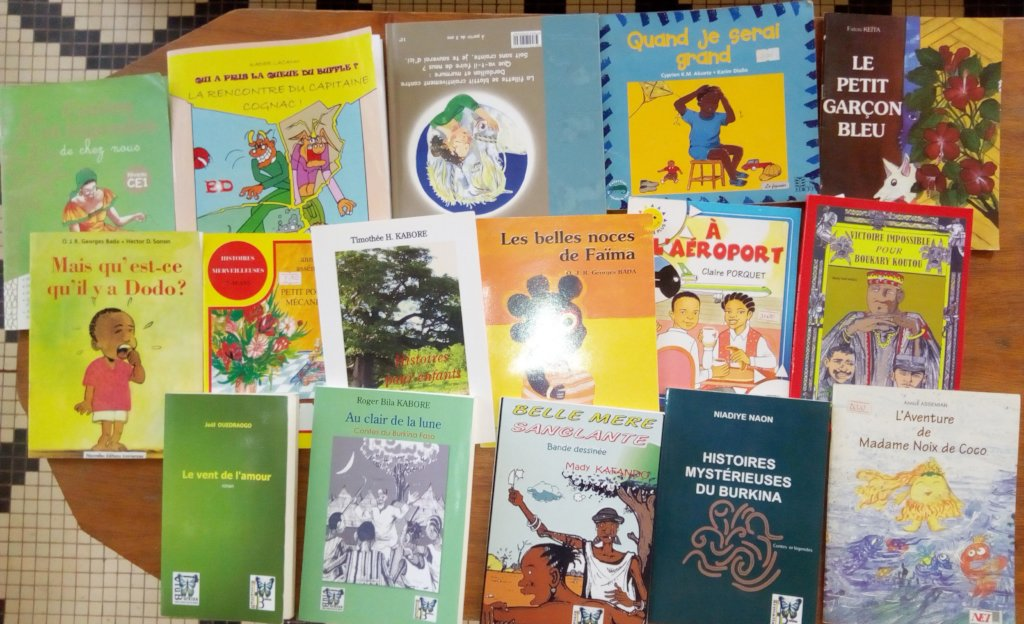 The books purchased to de distributed to Koumbia