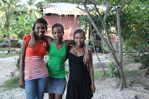 Manoucha with her sisters Dieunika and Nadine