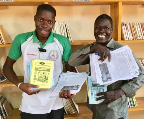 Librarians in n. Burkina Faso with CMH books