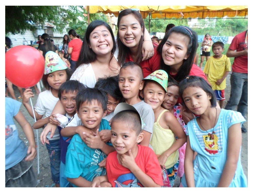 Save 100 Filipino Needy Children Stay In School