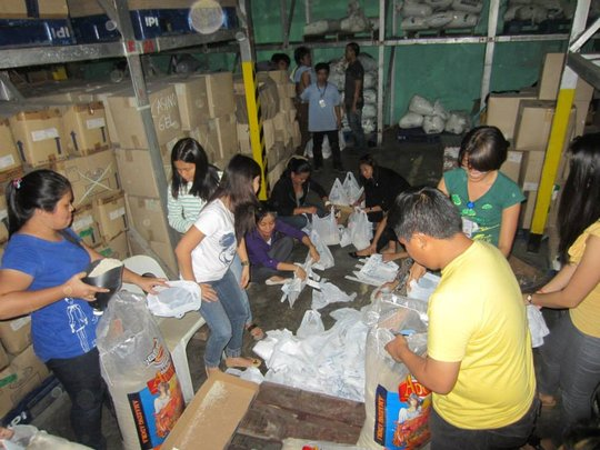 Cebu volunteers packing for AAI-IPI Ormoc mission