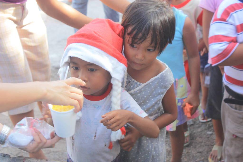 AAI team assist children on Baliguian Island