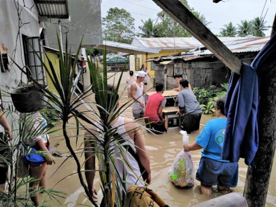 Families try to salvage belongings