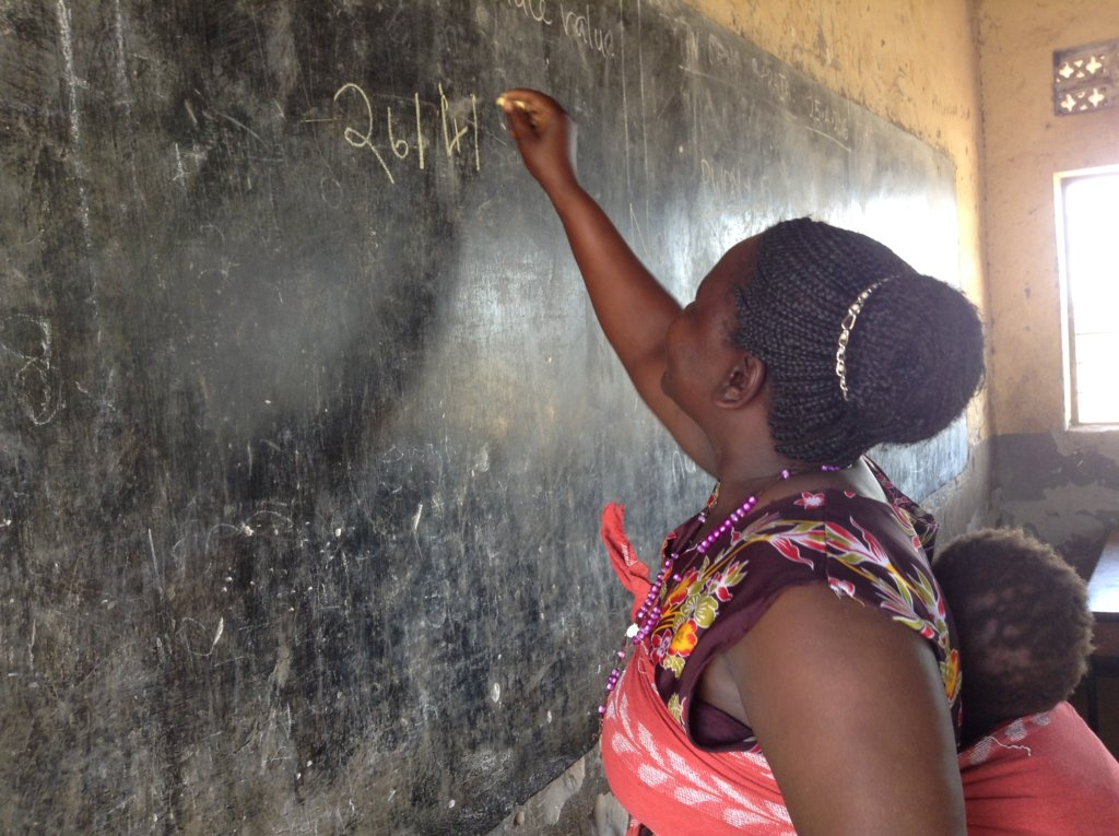Support 200 Women, Learn how to Read and Write