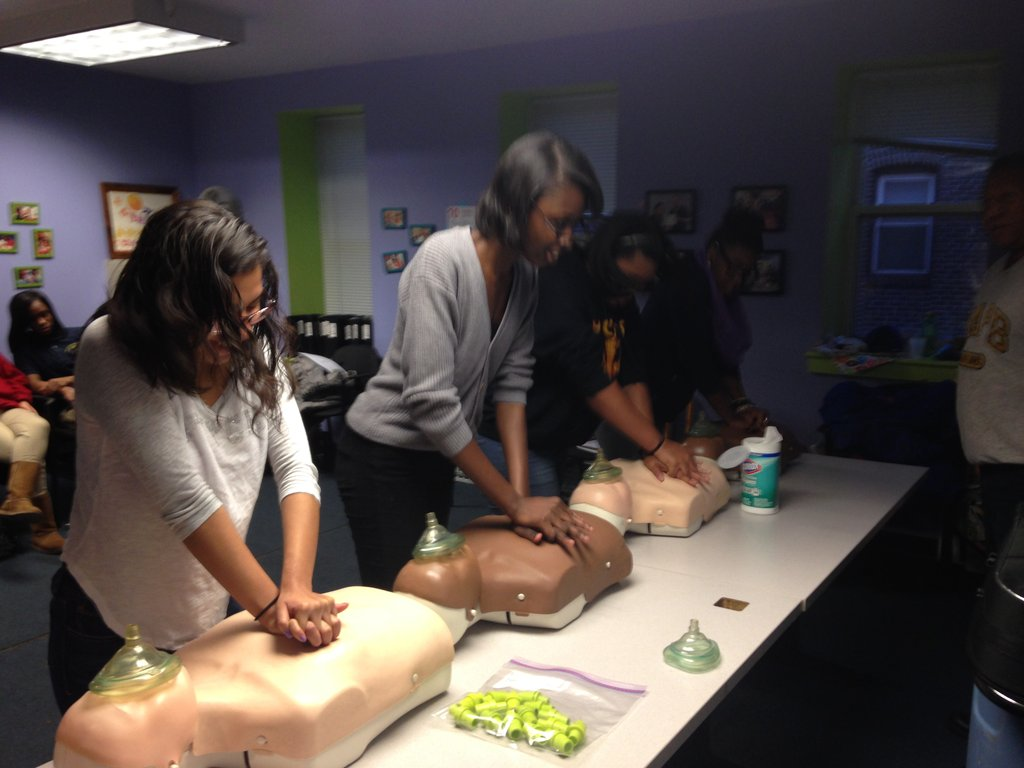 Fanny and Daysha in first-aid training.