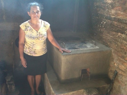 Juana M with her new improved Joco Justa Cookstove