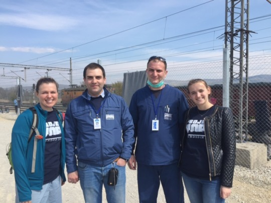 Project HOPE volunteers at transit center