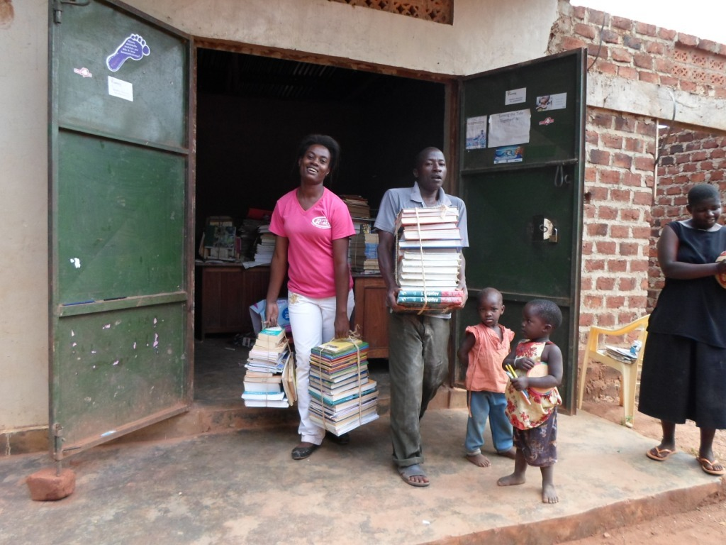 Team CFYDDI and community Load Books