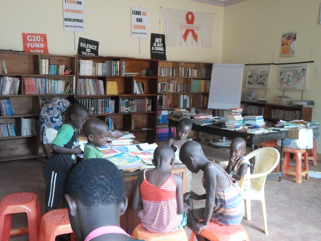 Childreen enjoy the reading time