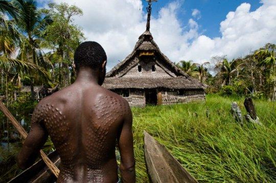 Man & haus tambaran a holistic bond