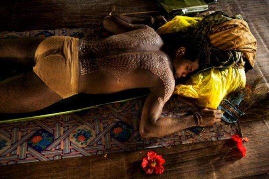 Deep crocodile skin cutting ritual for men