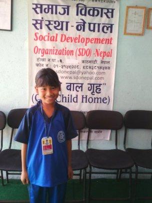 ROSHANI,class-3 pretty happy with her 91.5% MARKS